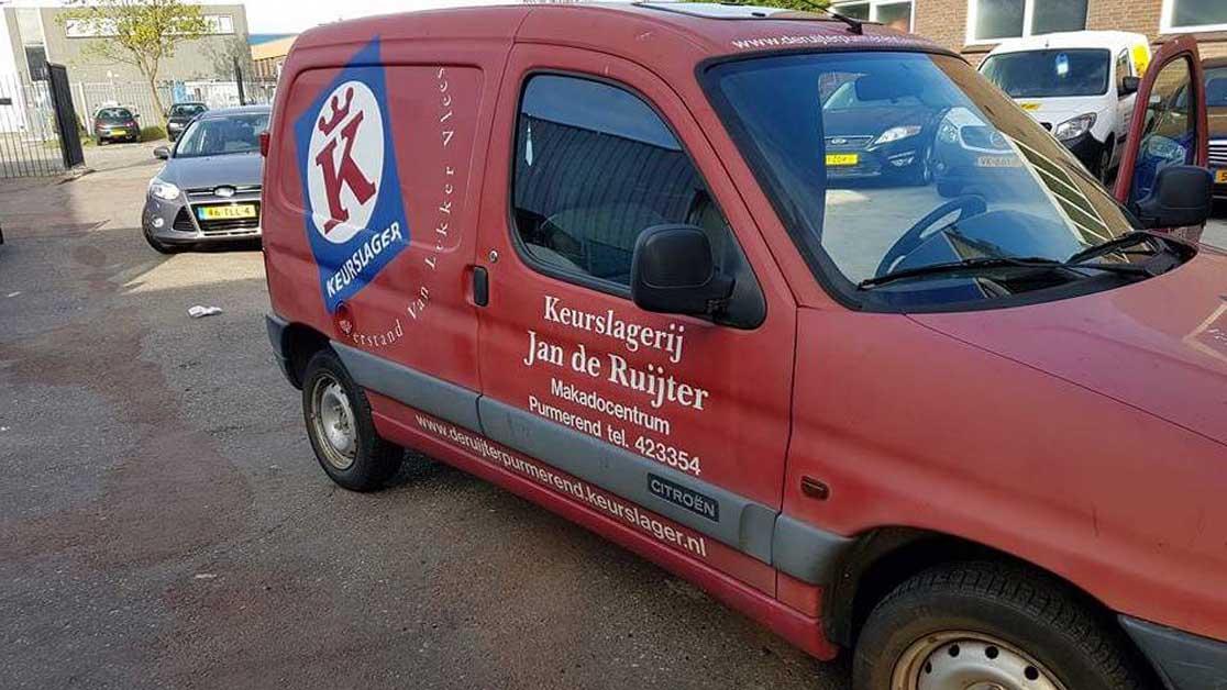 Uniek poetsbedrijf voor uw alledaagse auto